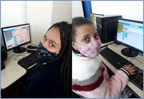 As crianças adoram as aulas de informática